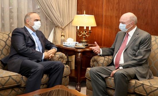 رئيس الوزراء المكلف يبدأ مشاوراته لتشكيل الحكومة من الاعيان