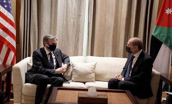 وزير الخارجية يجري مباحثات مع نظيره الامريكي
