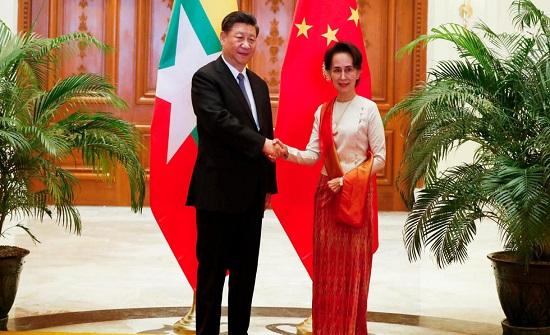 الصين وبورما توقعان على اتفاقيات اقتصادية ضخمة