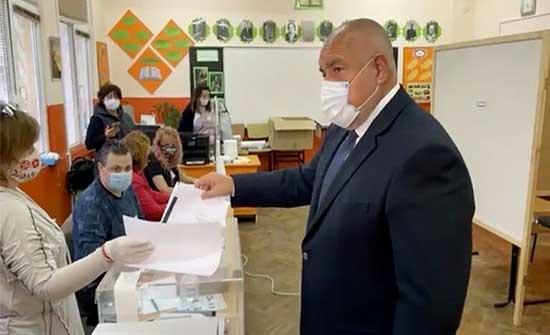 بعد أشهر من الاحتجاجات وفي ظل تفشي كورونا.. بلغاريا تنتخب برلمانا جديدا