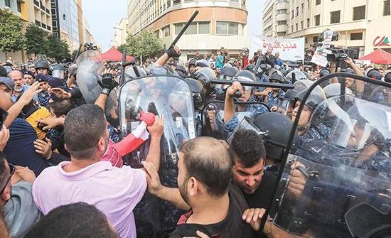 نصر الله يهدد بـ«حرب أهلية» ويرفض مطالب المحتجين