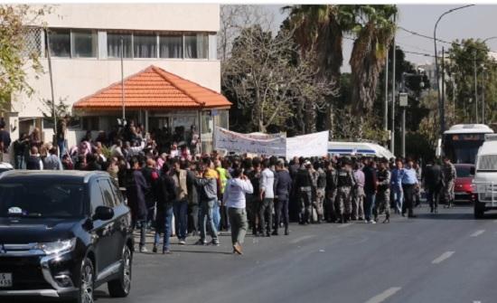 """النص الكامل للاتفاق بين """"الإدارة المحلية"""" وعمال البلديات على إلغاء الإضراب"""