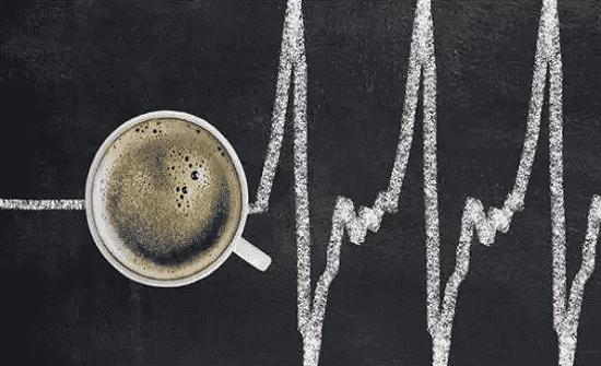 دراسة: تناول 4 فناجين قهوة يوميا يهدد البصر