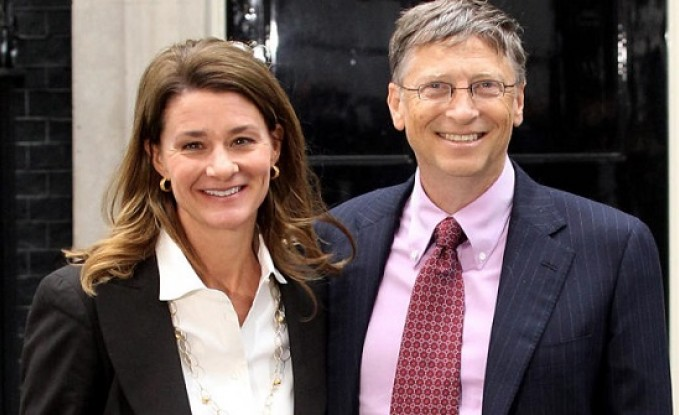 بيل غيتس وزوجته يحصلان على الطلاق رسميا