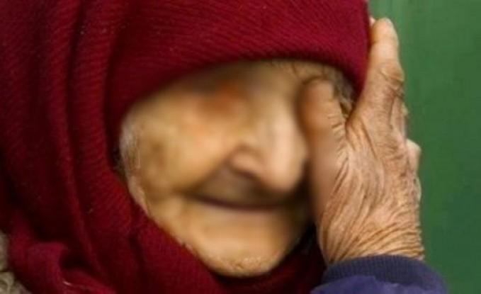 جزائري يتسبّب في بتر ساقي أمه باحتجازها مقيدة 3 أيام دون طعام