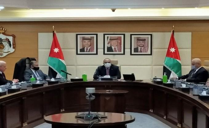 رئيس الوزراء يلتقي مجلس النقابات المهنية
