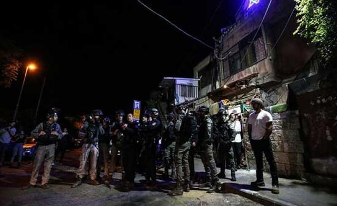 """قوات إسرائيلية تطلق الرصاص المطاطي على معتصمين بـ""""الشيخ جراح"""""""