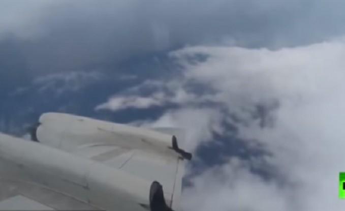 """فيديو : طائرة تدخل عين الإعصار """"أسياس"""" الذي يضرب ولاية فلوريدا الأمريكية"""