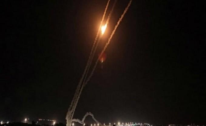 كتائب القسام توجه ضربات صاروخية كبيرة لتل أبيب