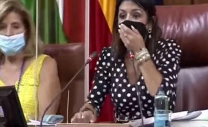 ضيف ثقيل في برلمان إسبانيا.. قلب الدنيا وأرعب النواب