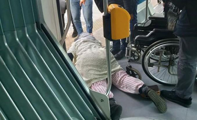بالصور والفيديو : شخص يعنّف امرأة في محطة قطار بالرباط و تفاصيل الاعتداء عليها