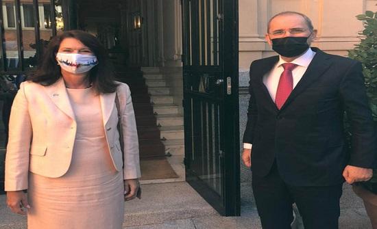 الصفدي وليند ولازاريني يبحثون تحضيرات مؤتمر دولي لدعم الاونروا