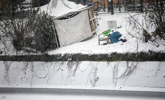 المانيا: مشردة تضع وليدها فجرا بالشارع وفي حرارة تحت الصفر