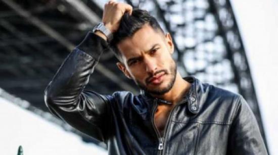 مغربي يفوز بلقب ملك جمال إيطاليا
