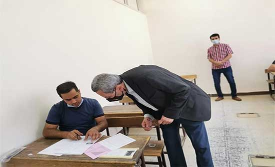 وزير التربية يتفقد سير امتحان التوجيهي في العقبة
