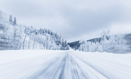 لماذا نرى الثلج باللون الأبيض؟