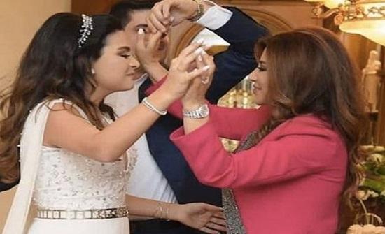 شاهد.. رقص نجوى كرم في خطوبة ابنة شقيقها