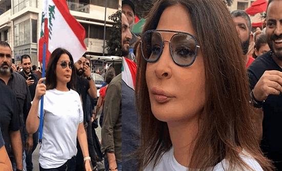 بالفيديو : اليسا نزلت إلى ساحة الشهداء..انفعلت من بعض المتظاهرين ثم انسحبت ماذا حصل؟