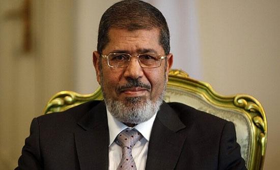 """مصر.. تأجيل دعوى قضائية بشأن """"سحب أوسمة"""" الرئيس الراحل محمد مرسي"""