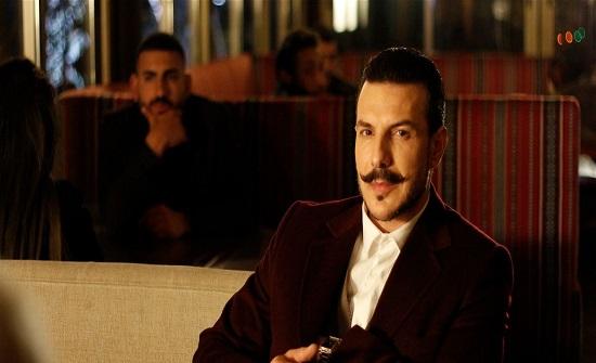 ابن باسل خياط يشعل المواقع بوسامته.. هل يشبه والده؟ (صورة)