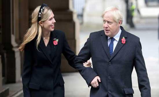 جونسون يتزوج خطيبته في مراسم سرية