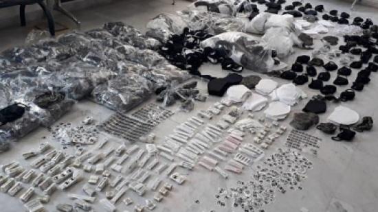 بالصور : ضبط معملين للمعقمات المقلدة في العاصمة والرصيفة