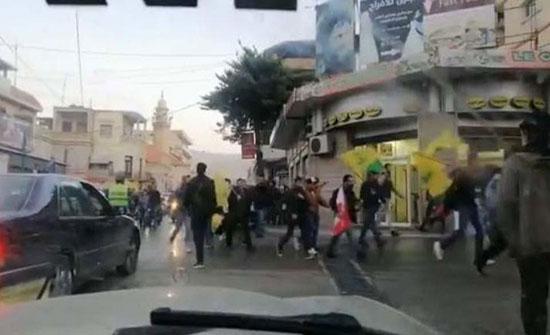 بالفيديو : إصابات إثر إطلاق مناصري حزب الله النار على محتجين في بعلبك