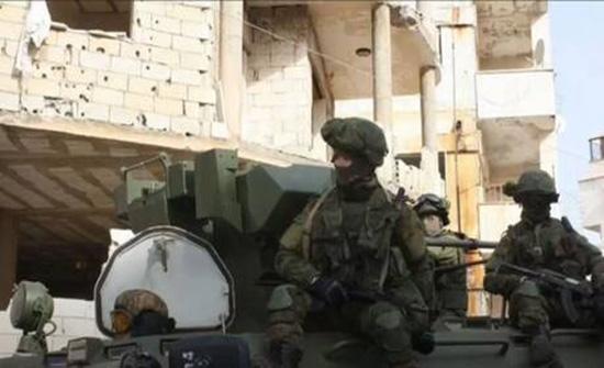 جرحى بين العسكريين الروس بنيران مسلحين في سوريا