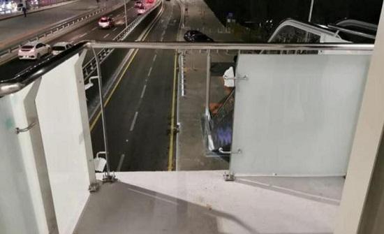 عمان  : تخريب جسور الباص السريع