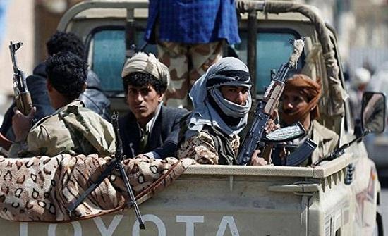 """اليمن.. قوات الإصلاح """"تفتح الطريق"""" للحوثيين في البيضاء"""