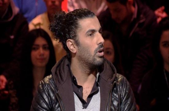 بالفيديو : المخرج محمد سامي يعلق على فستان زوجته