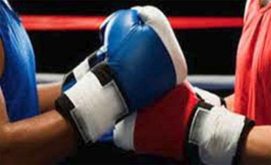 فوز لاعب منتخب الملاكمة السعدي على لاعب منتخب الامارات ببطولة العالم