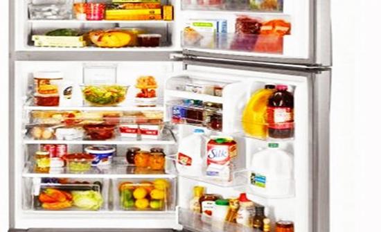 10 أطعمة تسبب التسمم «لو دخلت الثلاجة»