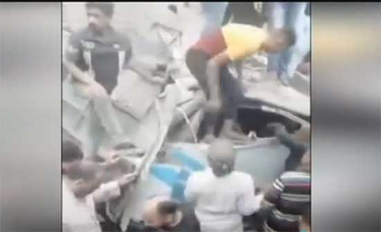 مصرع 4 عمال وإصابة 26 في حادث تصادم قطار حلوان في مصر .. بالفيديو