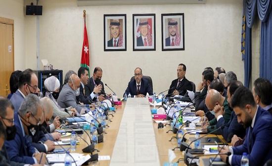 المالية النيابية تناقش موازنة وزارة المياه والري