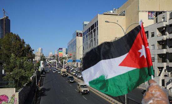 صحيفة : إسرائيل قررت نقل كمية كبيرة من المساعدات الطبية الى الأردن