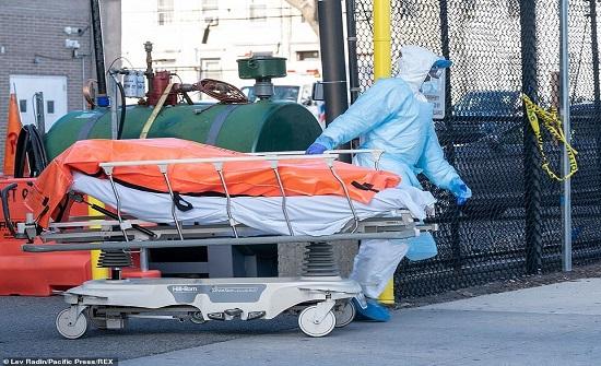 820 وفاة بكورونا في أميركا و7 إصابات فقط بالصين