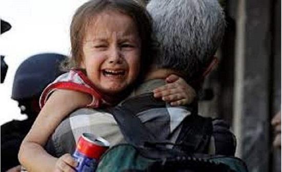 صادم.. عائلة تتنازل عن طفلها مقابل 400 دولار في بغداد