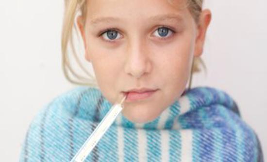 تعرفى على أسباب انتشار العدوى بنزلات البرد بين الأطفال