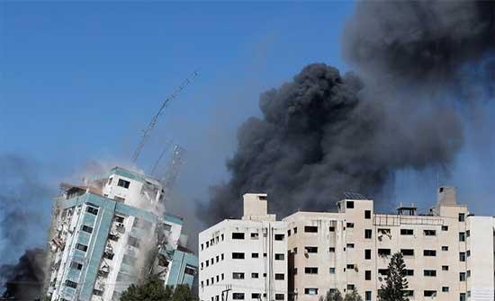 """""""نيويورك تايمز"""": مسؤولون إسرائيليون كبار ندموا على تدمير برج الجلاء في غزة"""
