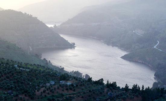المياه تعد لإنشاء نظام توليد كهرومائي بين سدين