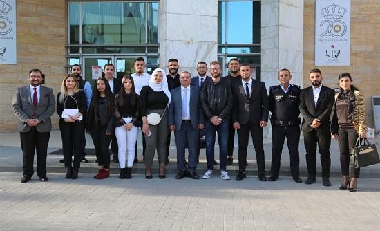 وزير الشباب يلتقي عددا من الطلبة المقدسيين