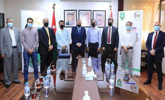 الأردنية تكرم الطلبة الفائزين بجائزة ولي العهد