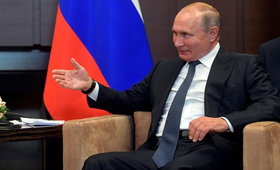 """الرئيس الروسي يرد على وصف """"بايدن"""" لـ """"ترامب"""" بـ""""جرو بوتين"""""""