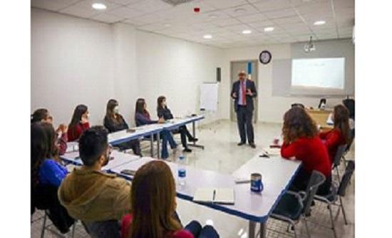 أبوغزاله تنظم دورة تدريبية في مهارات القيادة في سوريا