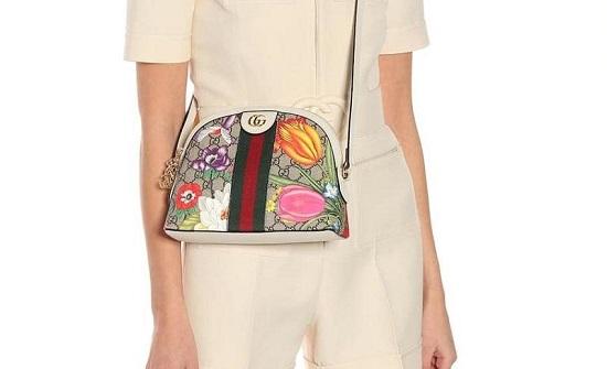 حقائب ملونة لإطلالة مميزة وغير تقليدية