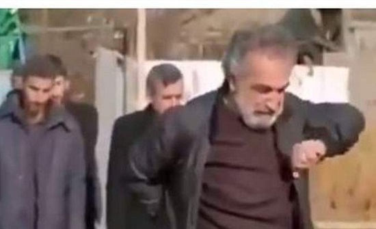 إيران : أثار الجدل على السوشيال ميديا.. أب يرقص في جنازة ابنته | شاهد