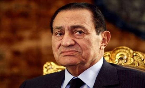 """فيديو: حسني مبارك """"العسكري"""" الذي حكم مصر لثلاثة عقود"""