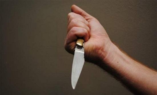 القبض على شخص اعتدى على وجه زوجته بأداة حادة في إربد