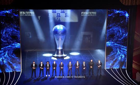 ليونيل ميسي يتوج بجائزة أفضل لاعب في العالم